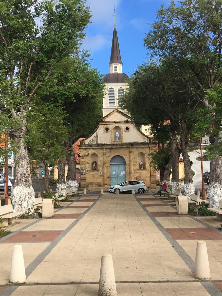 Kyrkan mitt i byt, Saint Anne.