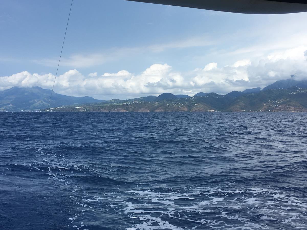 Vi lämnar Martinique och seglar mot Bequia.