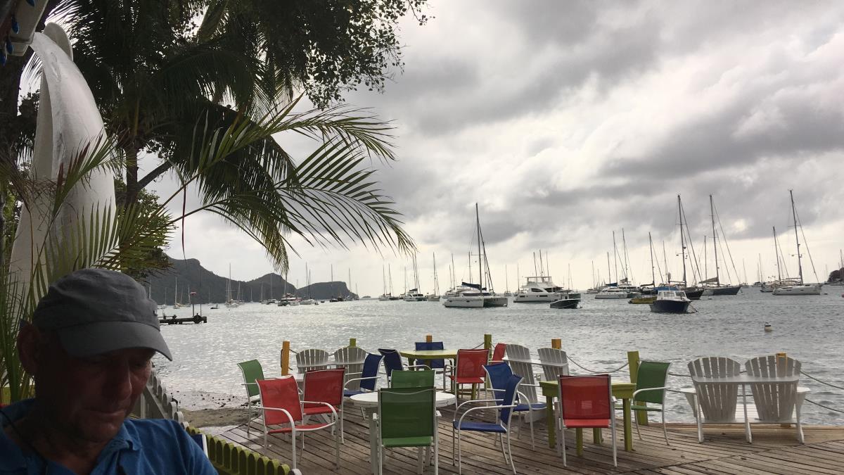 Många trevliga barer och restauranger längs vattnet i Port Elisabeth.