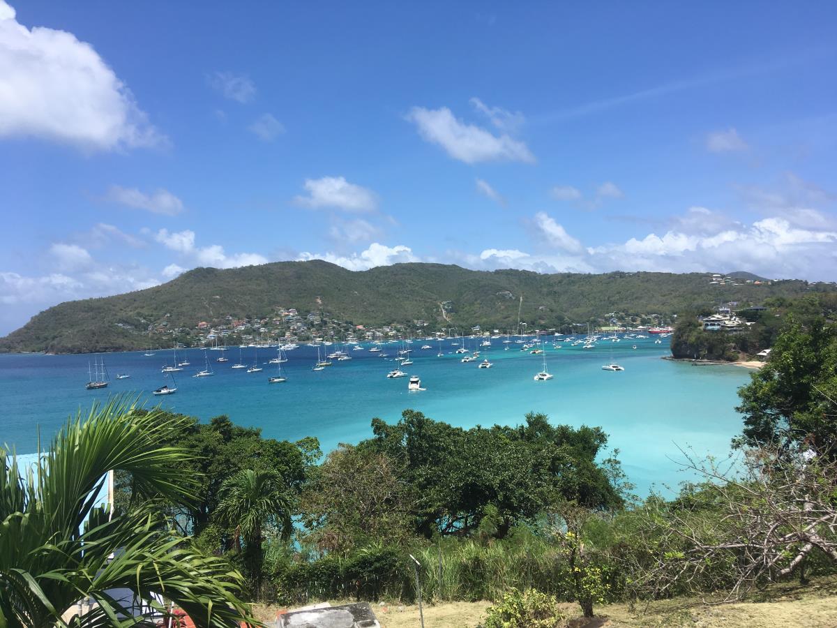 Utsikt över Admiralt Bay på Bequia.