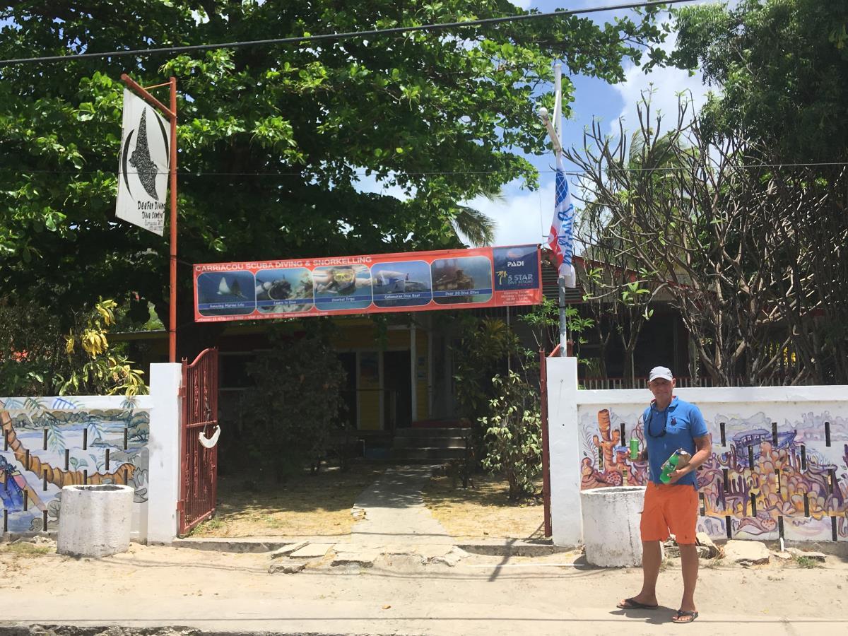Deferre Dive i Hillsborough, Carriacou.