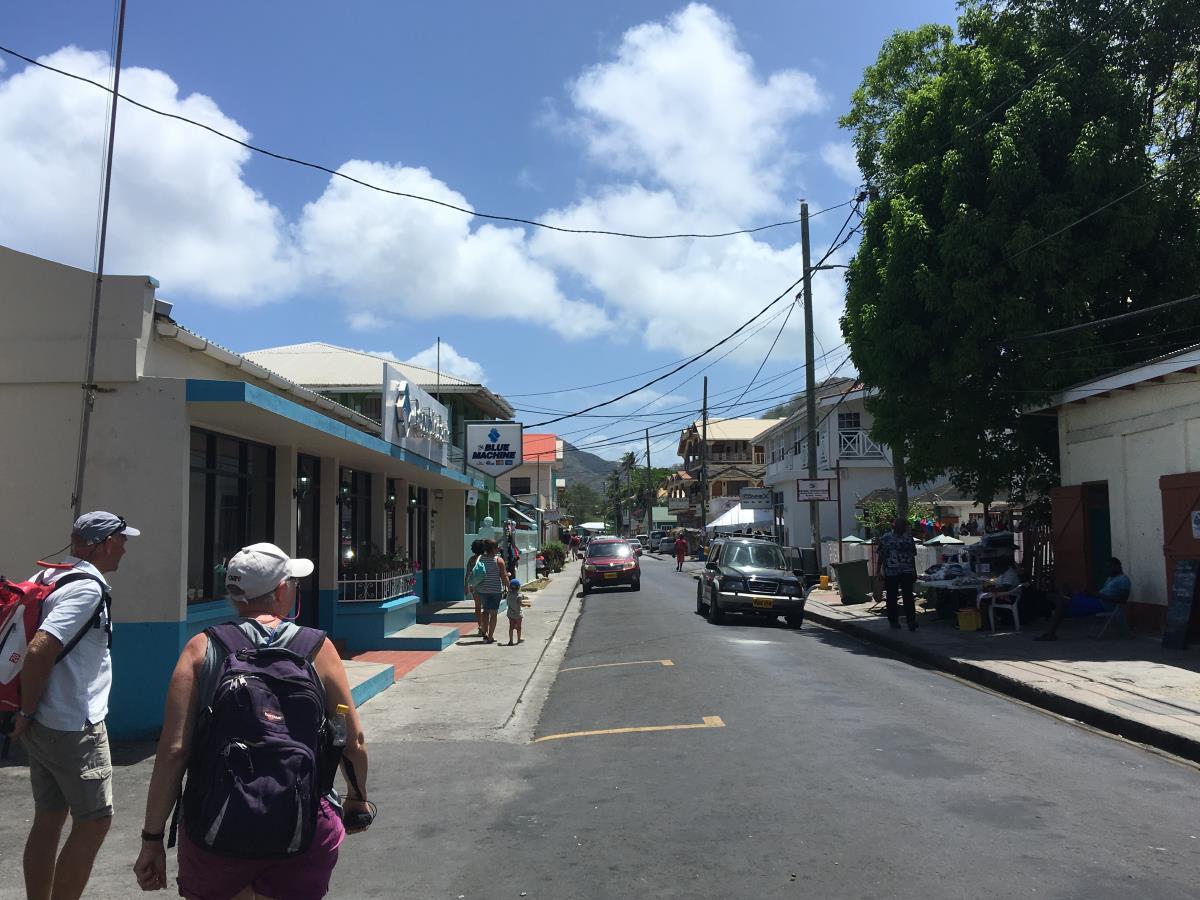 Huvudgatan i Hillsborough, Carriacou.
