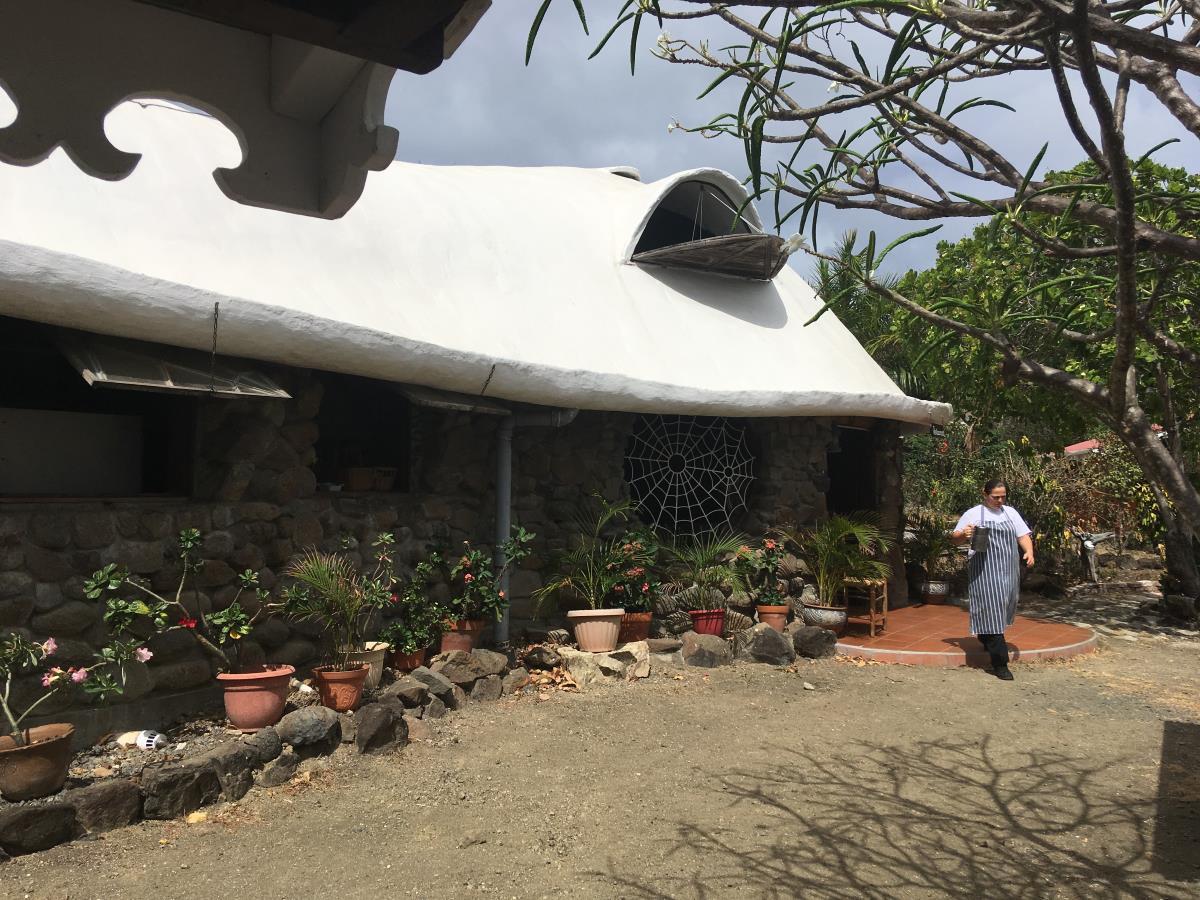 Ägarinnan som växte upp i detta hus, nu restaurang.