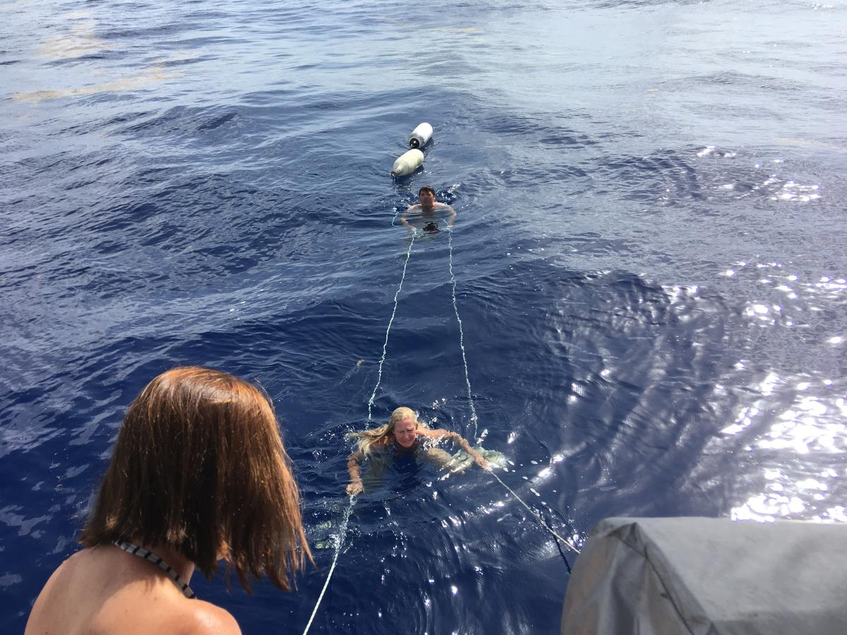 Bad på nästan 5000 meters djup.