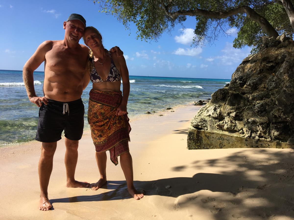 Mads och Lotta på stranden, Barbados.
