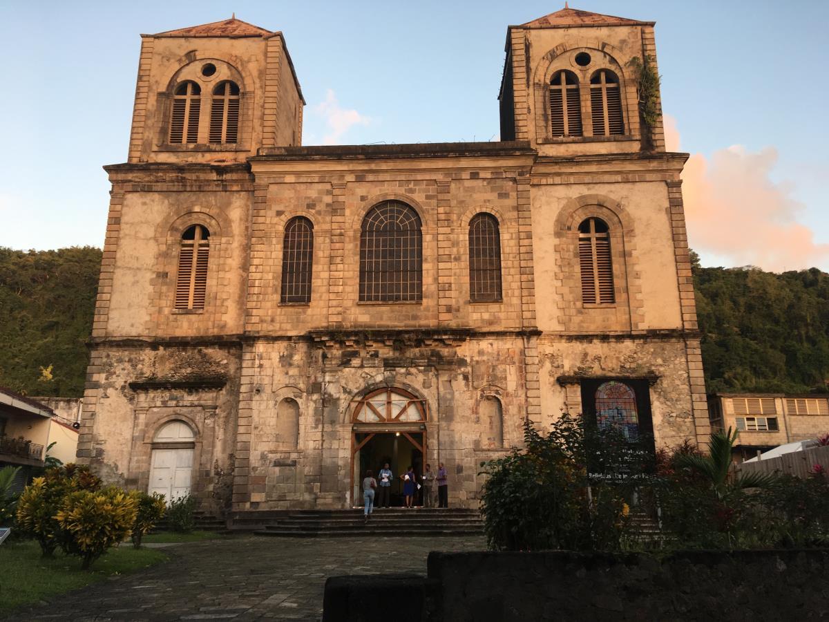 St Pierres kyrka som är uppbyggd på ruinerna av den gamla.