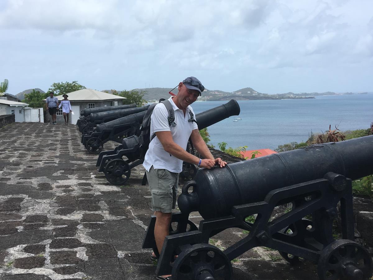 Mads på fortet i St George, Grenada.