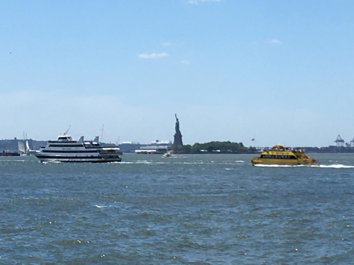 Här ska vi segla förbi med S/Y Looma IV en dag!